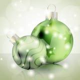 Grüne Weihnachtskugeln Stockfoto