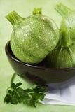 Grüne Zucchini Stockfotos