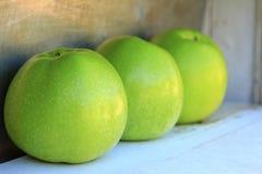 Grünen Sie Äpfel Lizenzfreie Stockbilder
