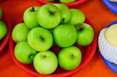 Grüner Apfel frisch Lizenzfreie Stockbilder