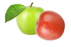 Grüner Apfel mit Blatt und roter Apfel lokalisiert auf weißem Hintergrund Lizenzfreies Stockfoto