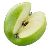 Grüner Apfel mit einem Schnitt lokalisiert Mit Beschneidungspfad Lizenzfreies Stockfoto