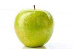 Grüner Apple auf Weiß Stockfotos