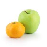 Grüner Apple und Mandarine Lizenzfreies Stockfoto