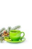 Grüner Becher mit Zitrone und Minze Lizenzfreie Stockfotos