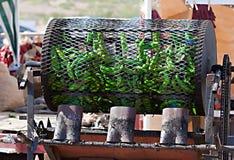 Grüner Chili Roasting Lizenzfreie Stockfotos