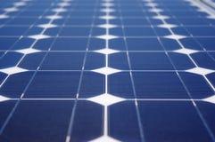 Grüner Energie-Sonnenkollektor Stockfotos