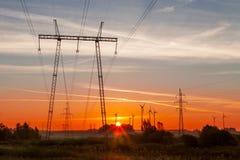 Grüner Energiesonnenaufgang Stockfoto