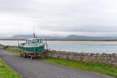 Grüner Fisher Boat Lizenzfreies Stockfoto