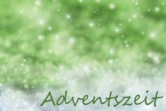 Grüner funkelnder Weihnachtshintergrund, Schnee, Adventszeit bedeutet Advent Season Lizenzfreie Stockfotografie
