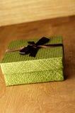 Grüner Geschenk-Kasten stockbild