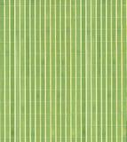 Grüner hölzerner Bambushintergrund. stockfotografie