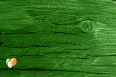 Grüner hölzerner Beschaffenheitshintergrund Heiliges Patrickâs Tag Hintergrund Str g Stockfotografie