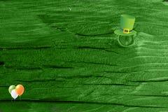 Grüner hölzerner Beschaffenheitshintergrund Heiliges Patrickâs Tag Hintergrund Str g Stockbild