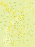 Grüner Hintergrund mit Blumen und Schmetterlingen. Stockbild