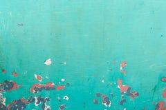 Grüner Hintergrund mit der Schale der Farbe lizenzfreies stockfoto