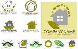 Grüner Immobilienlogosatz Lizenzfreie Stockbilder