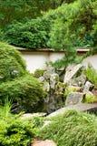 Grüner japanischer Garten Stockfoto