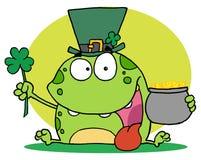 Grüner Koboldfrosch, der einen Hut trägt Lizenzfreie Stockfotografie