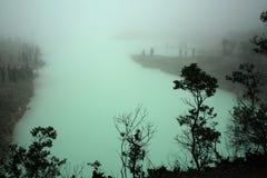 Grüner Krater Stockfoto