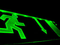 Grüner Mann, der 3 laufen lässt Lizenzfreie Stockfotografie