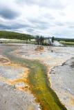 Grüner Mineralfluß Lizenzfreies Stockfoto