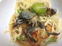 Grüner Papaya Salat oder somtum lizenzfreie stockbilder