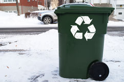 Grüner Papierkorb Lizenzfreies Stockbild