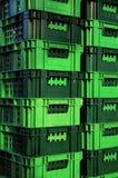 Grüner Plastikkorb. Stockfotografie