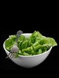 Grüner Salat auf Schwarzem Lizenzfreies Stockbild