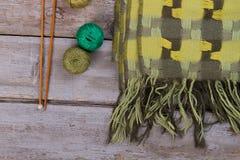 Grüner Schal mit Plaidmuster Lizenzfreies Stockfoto