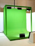 Grüner Schirm eingestellt für Filmschießen Stockfoto