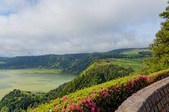 Grüner See von furnas Sao Miguel, die Azoren-Inseln, Portugal lizenzfreie stockfotos