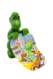 Grüner Spielzeugdinosaurier stockfotos