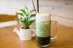 Grüner Tee des Eises Stockfotos