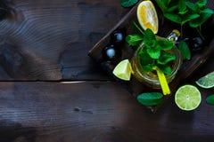 Grüner Tee des Eises Lizenzfreie Stockfotografie