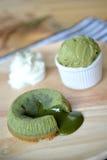 Grüner Tee Lava Cake Stockfotos