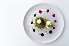 Grüner Tee-Macadamia-Kuchen Matcha Stockfotos