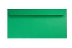 Grüner Umschlag getrennt auf Weiß Stockfotografie