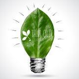 Grünes eco Energiekonzept, Blatt innerhalb der Glühlampe Lizenzfreies Stockfoto