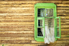 Grünes Fenster Lizenzfreie Stockfotos