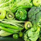 Grünes Gemüse und Frucht Lizenzfreie Stockfotos