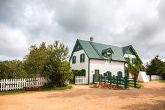 Grünes Giebelhaus in Prinzen Edward Island lizenzfreies stockbild