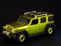 Grünes Jeepspielzeug Stockbild