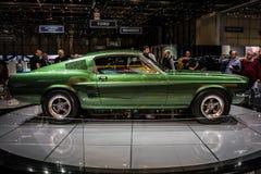 Grünes klassisches Sportauto Ford Mustang Bullitts an der Genf-Internationalen Automobilausstellung 2018 lizenzfreie stockfotografie
