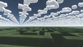 Grünes Labyrinth unter Fragenwolken Stockbilder