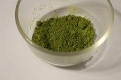 Grünes macha Pulver lizenzfreie stockfotos