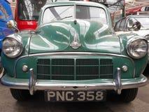 Grünes Morris-Auto stockfotografie