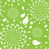 Grünes nahtloses mit Blumenmuster Lizenzfreies Stockbild