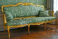 Grünes Sofa stockbilder